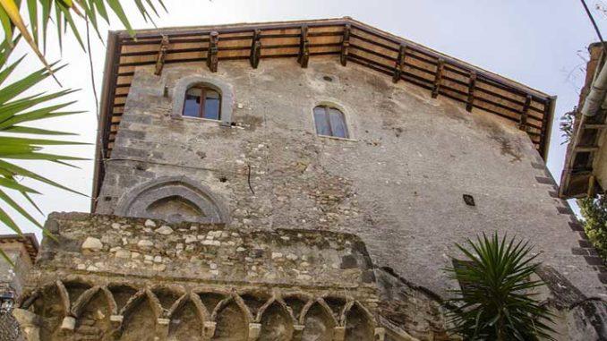 luoghi di tivoli da visitare la casa gotica