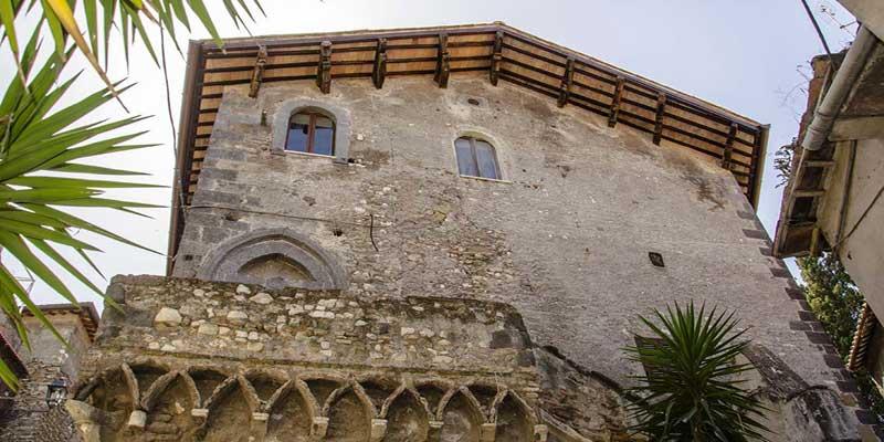 Casa-gotica